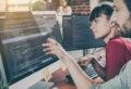 Entwicklung von Programmierungstechnologie.